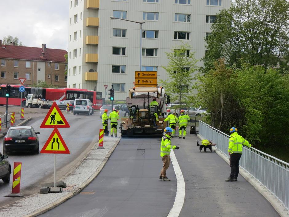 Deler av Tvetenveien får 3 meter bred sykkelvei og 2 meter bredt fortau.