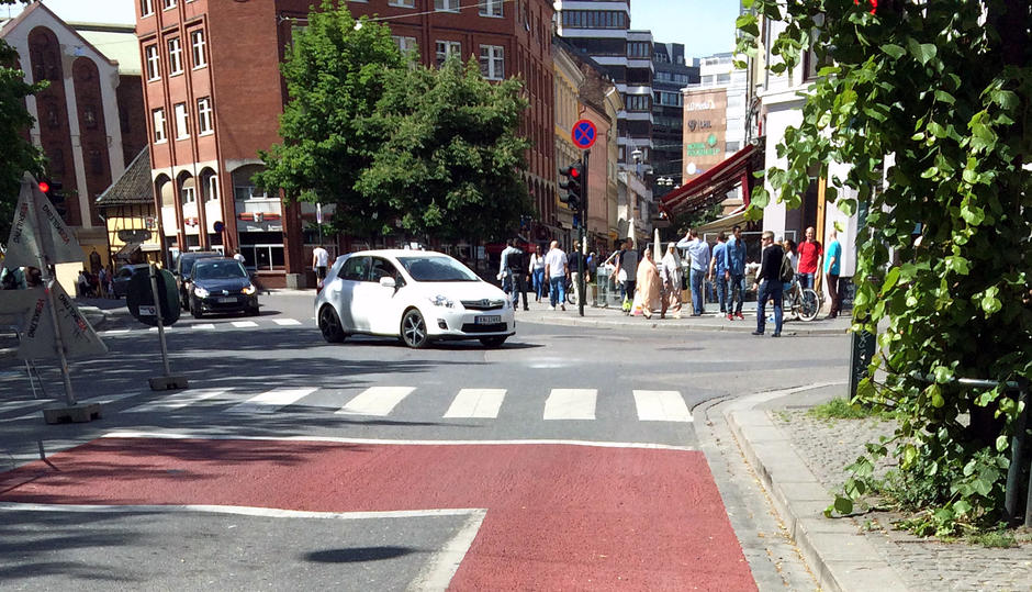Christian Kroghs gate skal få røde sykkeltfelt som her i Brugata.