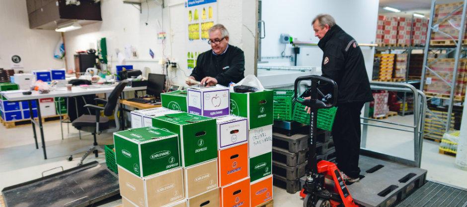 Gjennom effektiv logistikk forenkler Matsentralen hverdagen for veldedige organisasjoner som kan hente alt på ett sted. (Foto: Monica Lovdahl)