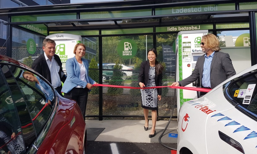 Figure 3: Opening of a quick charging station for taxis. Photo: Snorre Sletvold (Fortum)