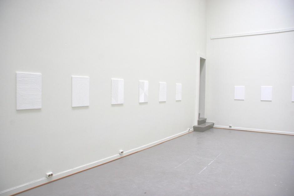 Atelier i Oslo Rådhus, her med kunst av Anders Sletvold Moe