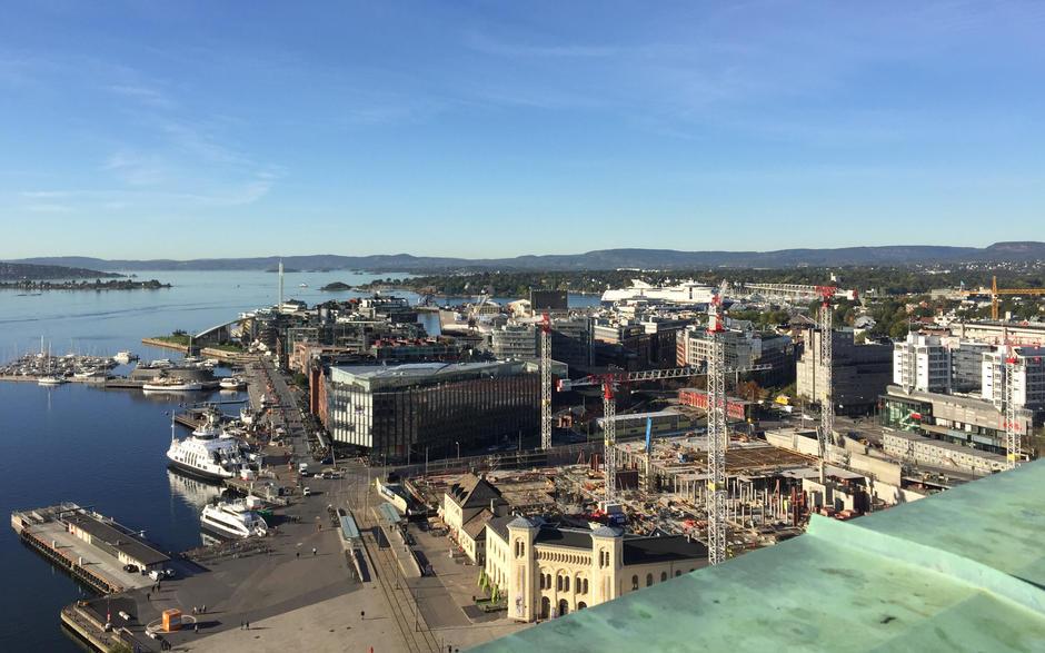 Utsikt fra atelier i Oslo Rådhus