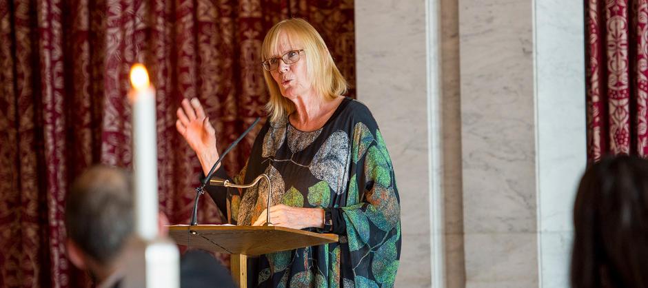 Tidligere biblioteksjef Liv Sæteren mottok Oslo bys kulturpris for 2016