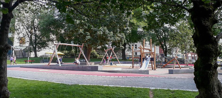Barnehagen har nytt lekeområde fra 2016.