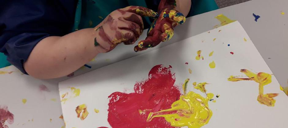 Barn i Brødfabrikken FUS barnehage maler ofte.