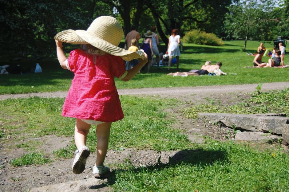 Barn med hatt