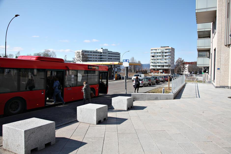 Området på Oppsal med kollektivtrafikk