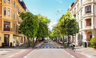 Bilde av Bygdøy allé hvor det er tegnet inn røde sykkelfelt på begge sider.