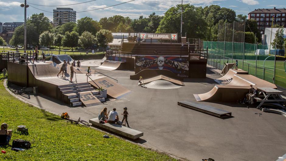 Oversiktsbilde over skateparken