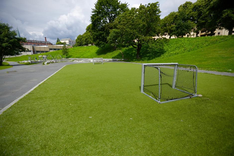 Liten fotballbane med små mål