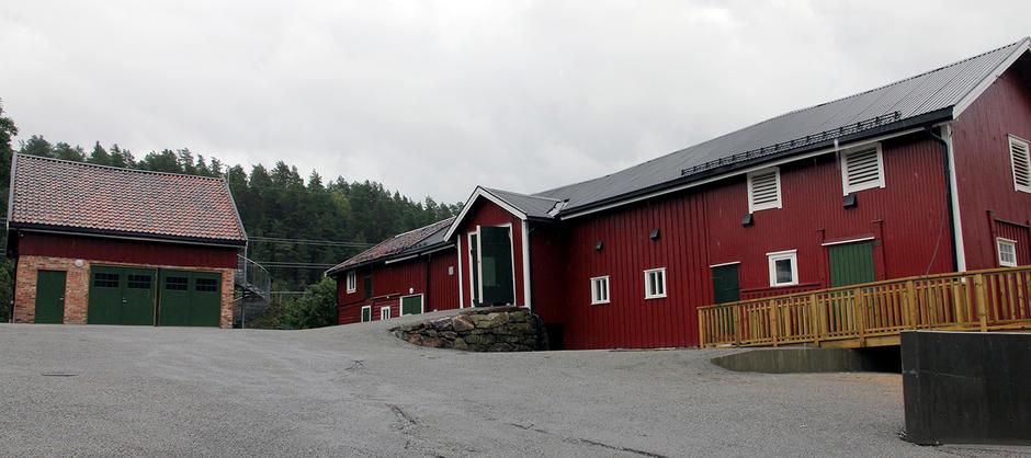 Driftsbygningene på Bakkeløkka gård