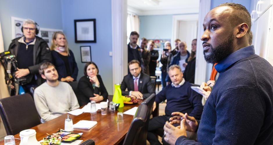 Statsråd Nikolai Astrup besøker Sportsklubben Sterling på Grønland (februar 2020)