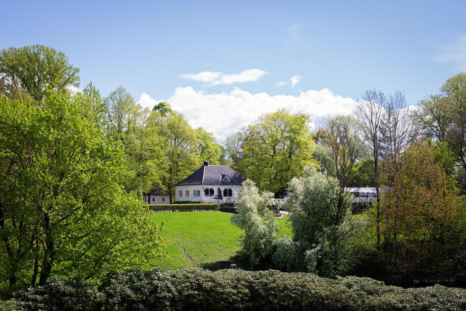 Hus i parken