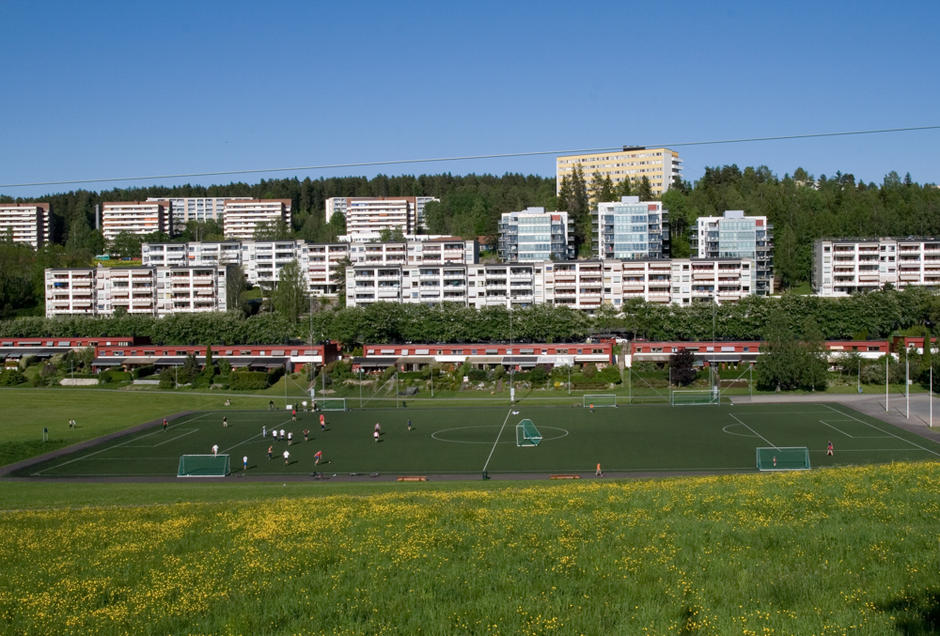 Idrettsbane ved blokkene på Bogerud
